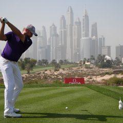 V Dubaji zpozdila kolo mlha, Donaldson si hlídá první pozici